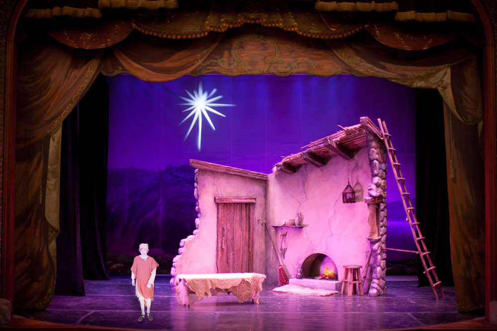 Amahl and the Night Visitors Set Rental
